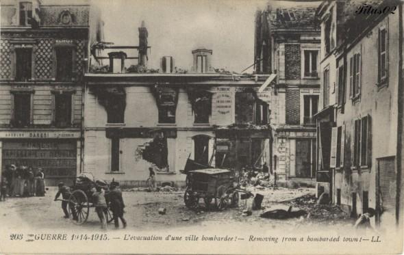 Titus02 1359568233-203-Guerre-1914-1915-l-e-vacuation-d-une-ville-bombarde-e