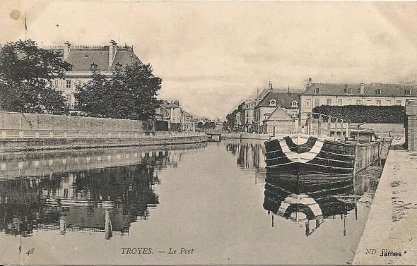 carte postale TROYES