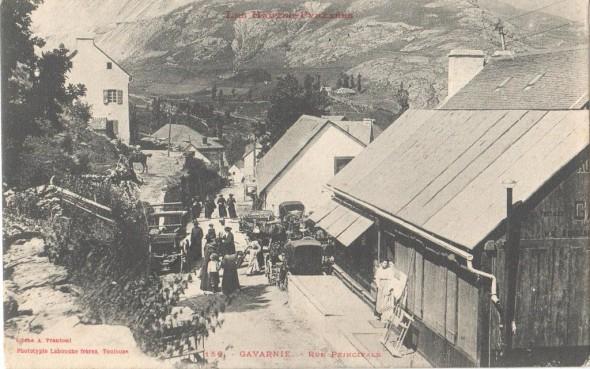 Gavarnie-rue-principale