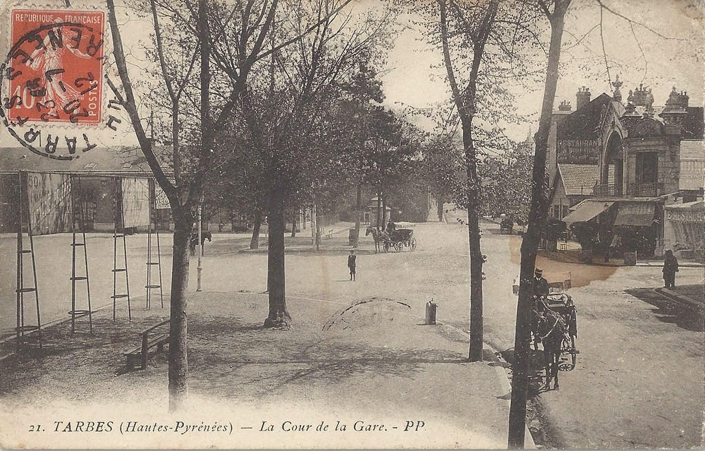 Tarbes gare tarbes cartes postales anciennes sur cparama for Photographe clamart gare