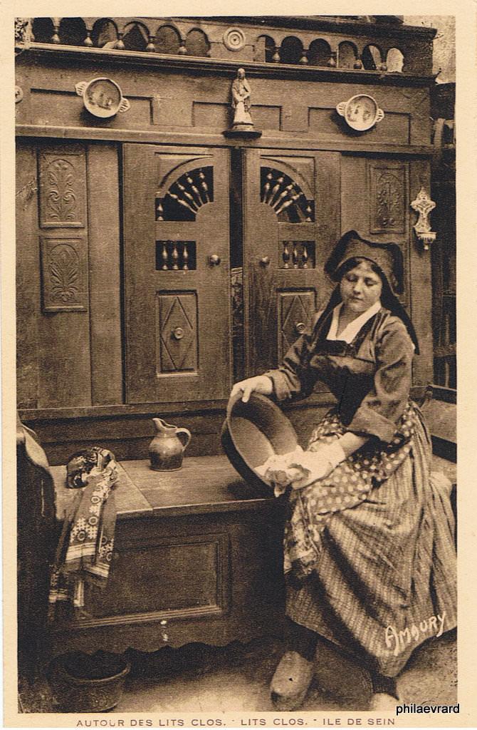 s rie autour des lits clos breton folklore des r gions page 3 cartes postales anciennes. Black Bedroom Furniture Sets. Home Design Ideas