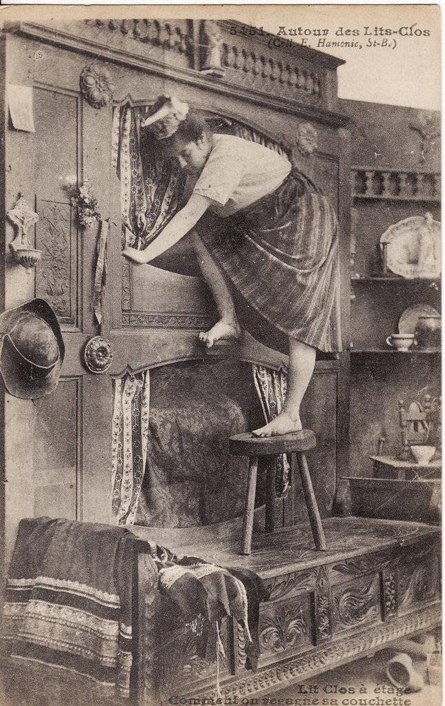 s rie autour des lits clos breton folklore des r gions cartes postales anciennes sur cparama. Black Bedroom Furniture Sets. Home Design Ideas
