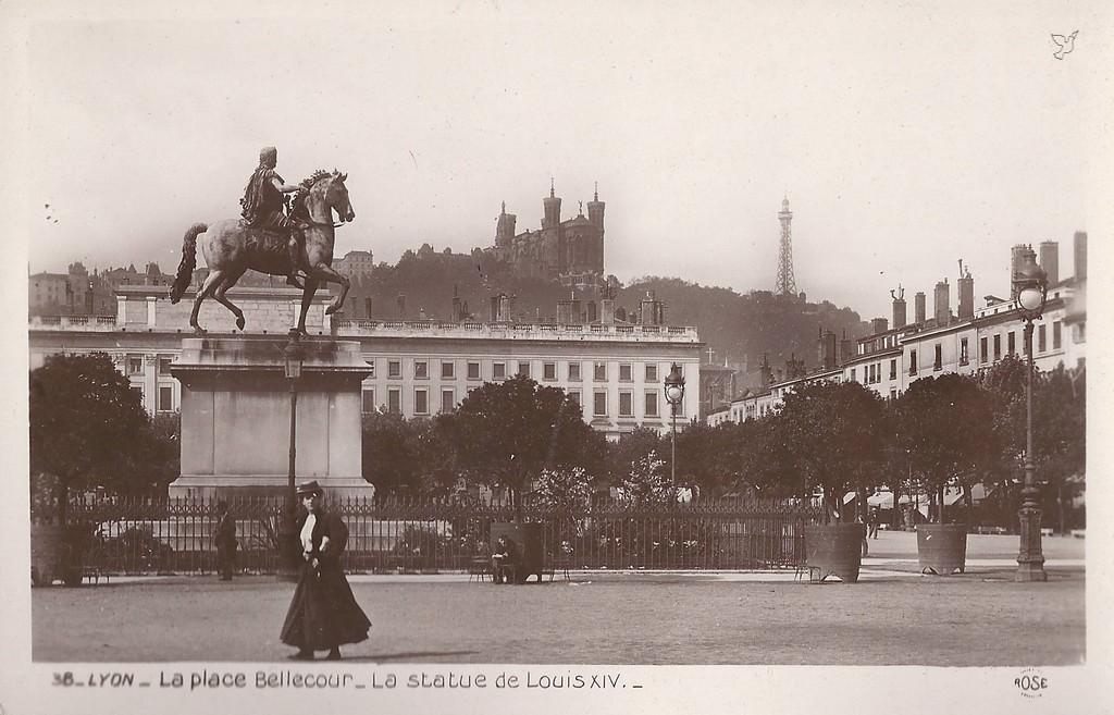 Bien-aimé Lyon - Place Bellecour : Lyon | Cartes Postales Anciennes sur CPArama QZ05