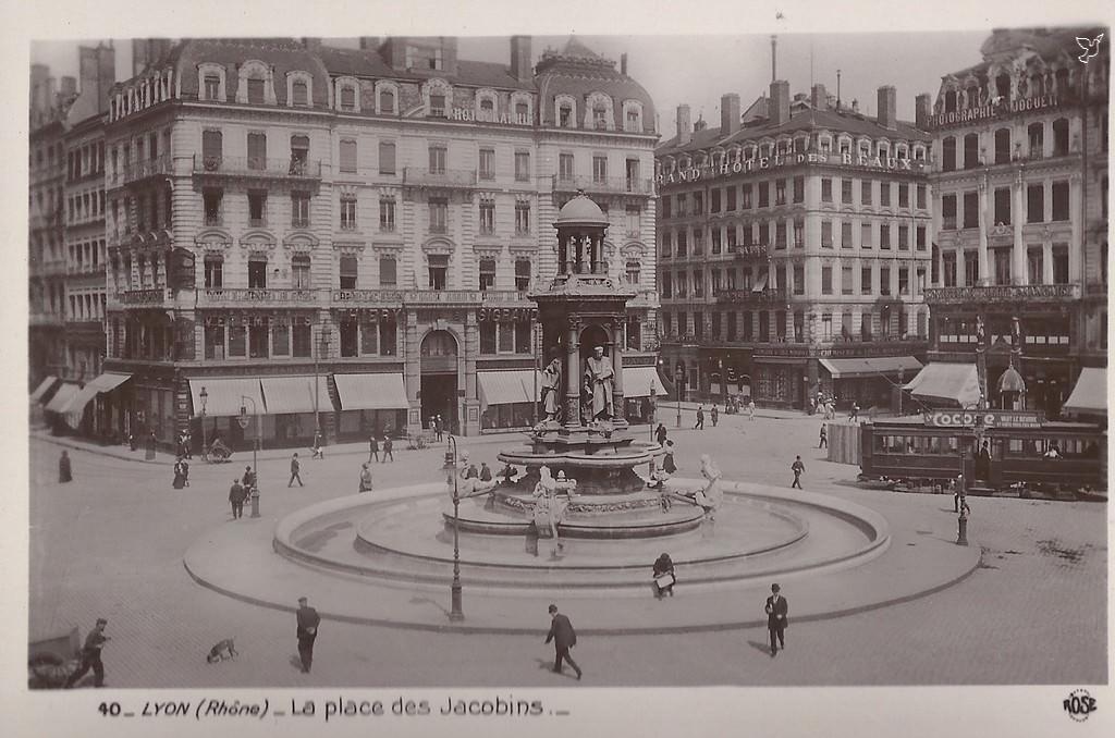 Extrêmement Lyon - Place des Jacobins : Lyon | Cartes Postales Anciennes sur  YU57