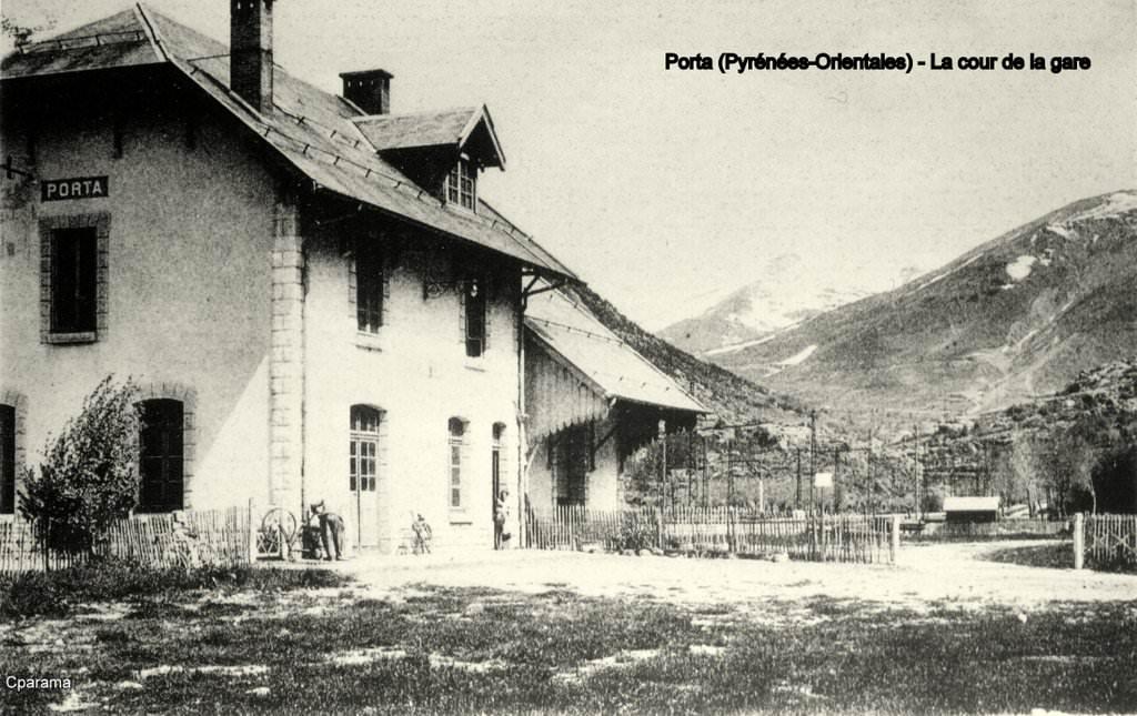 Cour de la gare de Porta