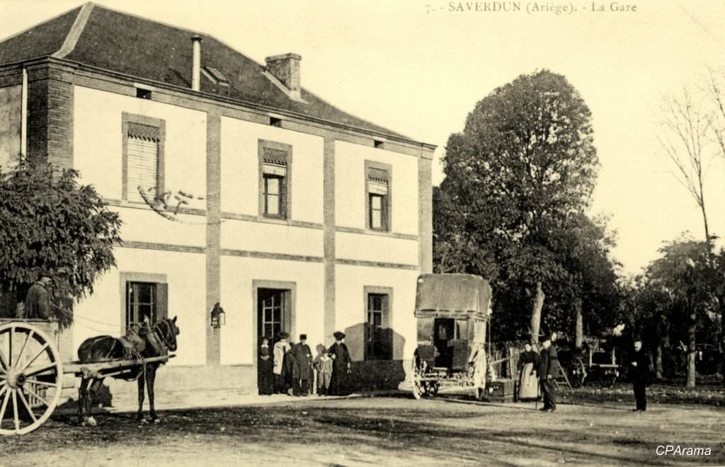 Cour de la gare de Saverdun