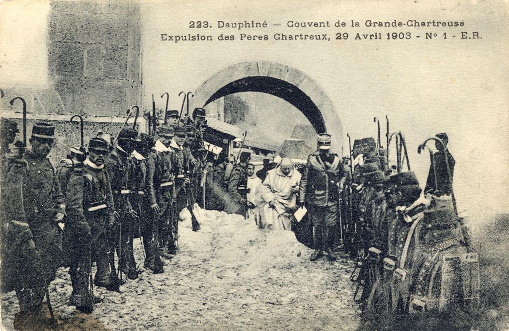 """Résultat de recherche d'images pour """"le 29 avril 1903 : expulsion des chartreux de la Grande Chartreuse."""""""