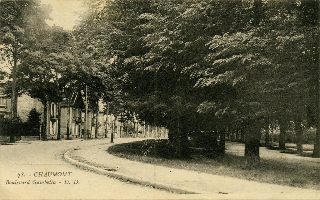 Chaumont boulevard gambetta chaumont cartes postales anciennes sur cparama - Boulevard gambetta roubaix ...