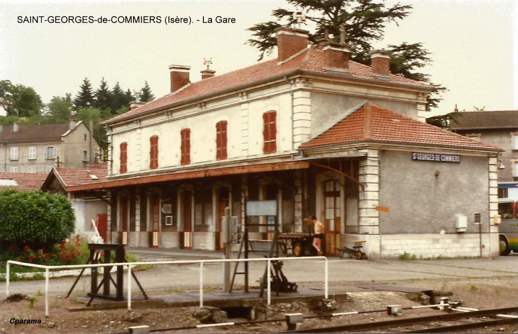Saint georges de commiers is re cartes postales d 39 hier for Maison saint georges de commiers