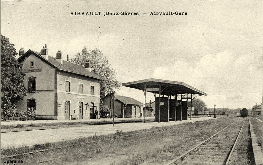 Airvault 79 deux s vres cartes postales anciennes for Airvault 79