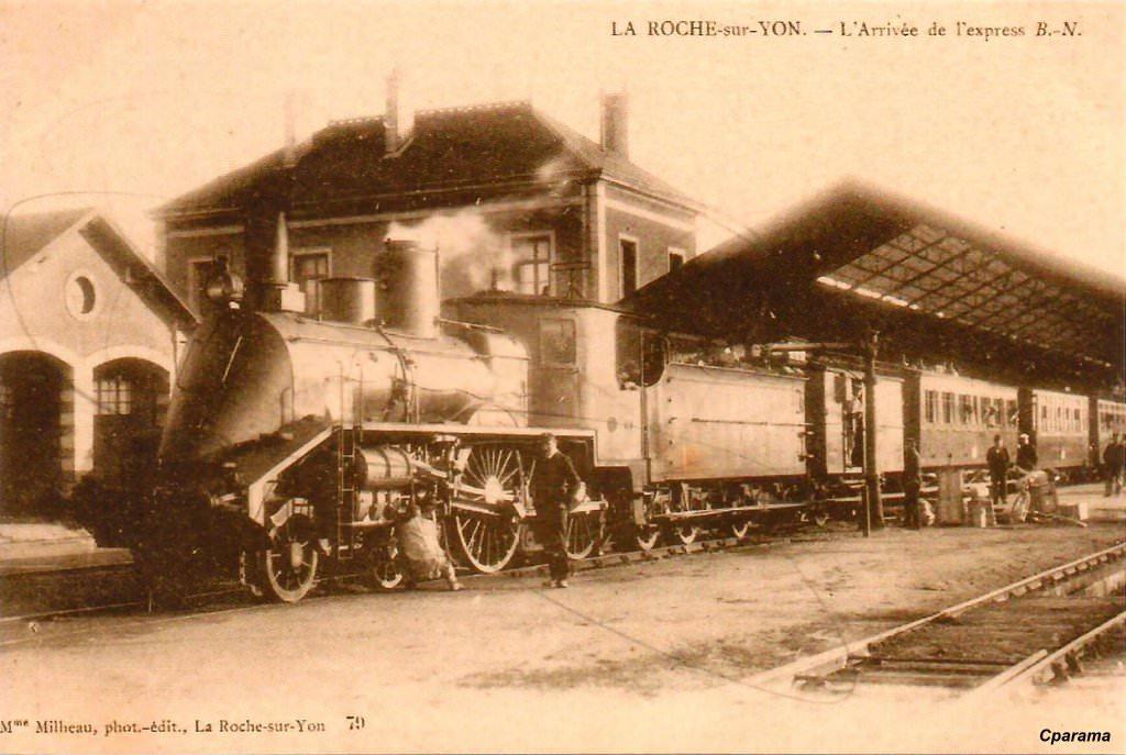 La roche sur yon 85 vend e cartes postales anciennes for Garage phelippeau la roche sur yon