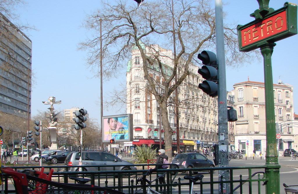 Le m tropolitain de paris ligne 9 paris hier aujourd - Piscine de croix de chavaux ...
